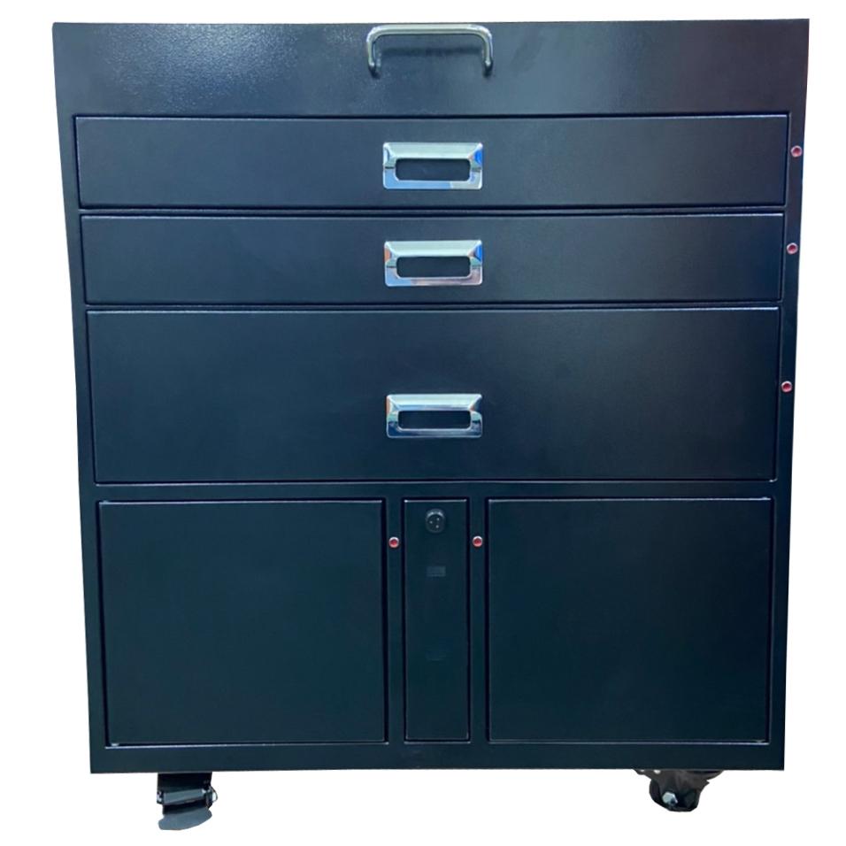 trea-locker1
